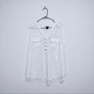 Torrid size 2 white tank top with pockets